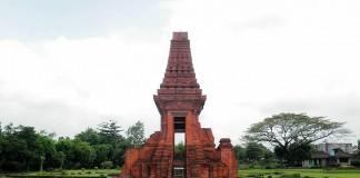 Candi peninggalan Kerajaan Majapahit di Situs Trowulan