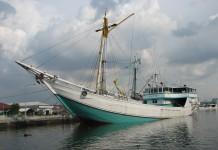 Kapal Pinisi, Kapal Layar Khas Bugis-Makassar