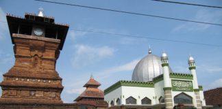 Menara Masjid Kudus Pada masa silam, Masjid Menara Kudus merupakan merupakan pusat dakwah Sunan Kudus pada era Demak, Kerajaan Islam pertama di Pulau Jawa.