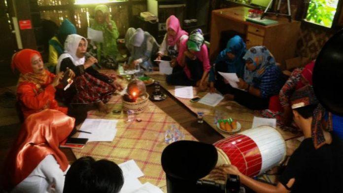 Tradisi Lisan Royong