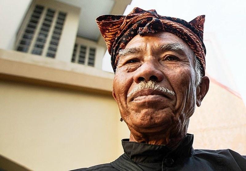Unen adalah juru beluk engko terakhir dari Kecamatan Cimaung, Kabupaten Bandung, Jawa Barat.