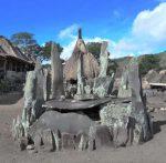 Makam Leluhur di Kampung Bena