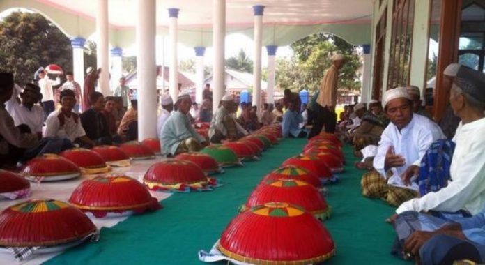 Tradisi Nganggung Sapintu Sadulang