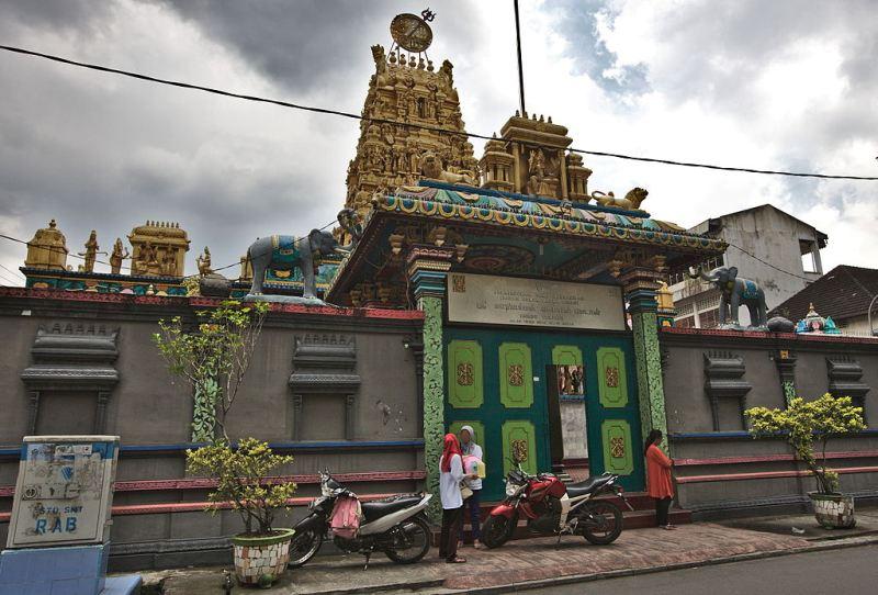 Kuil Shri Mariamman di Kampung Madras Medan