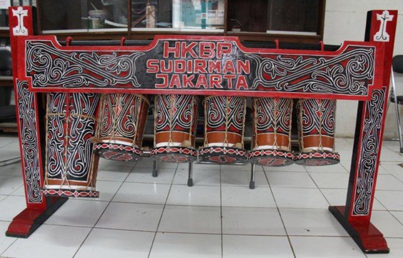 Taganing, salah satu instrumen dalam gondang Batak.
