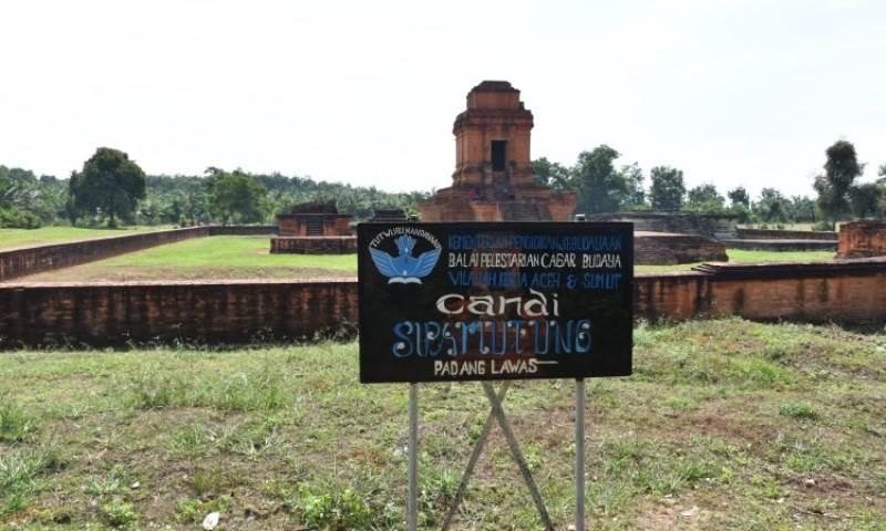 Kompleks Candi Sipamutung Padang Lawas