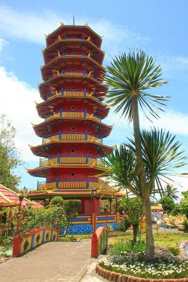 Pagoda Ekayana di Kompleks Vihara Buddhayana