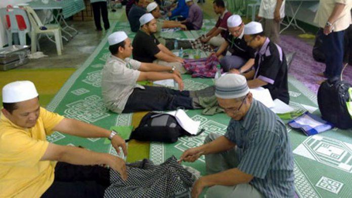 Dulu Klenik Sekarang Islami, Metode Pengobatan Dukun di Jawa Timur