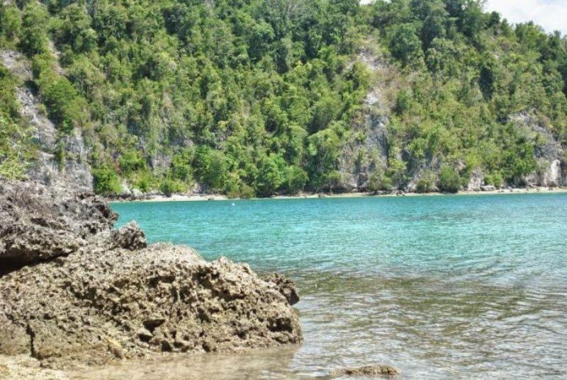 Pantai Kucing di Teluk Tomini, Sulawesi Tengah