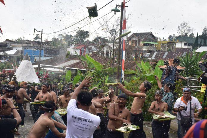 Tradisi dhukutan