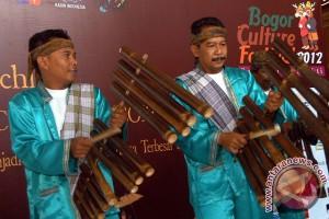 Seni musik calung. (Sumber: museummusikindonesia.com)